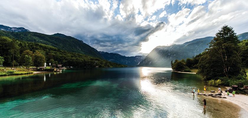 Lake_Bohinj_2.jpg